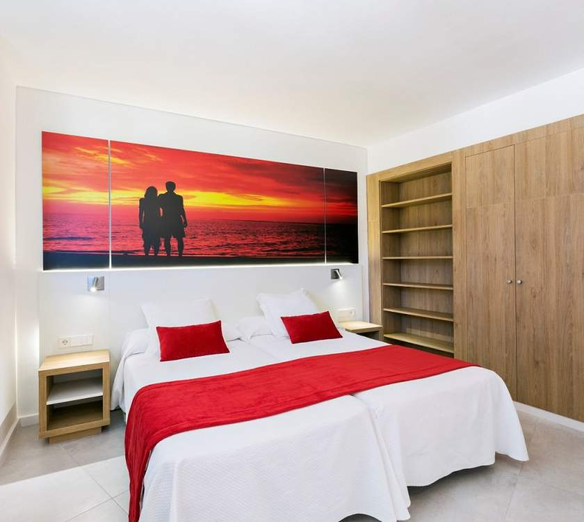 Room family apartment ca's saboners beach aparthotel palmanova